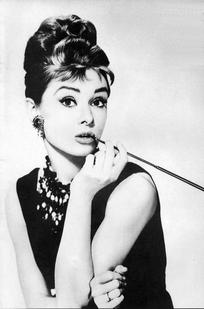 http://the100.ru/images/actors/id349/1725-AUDREY_HEPBURN23.jpg